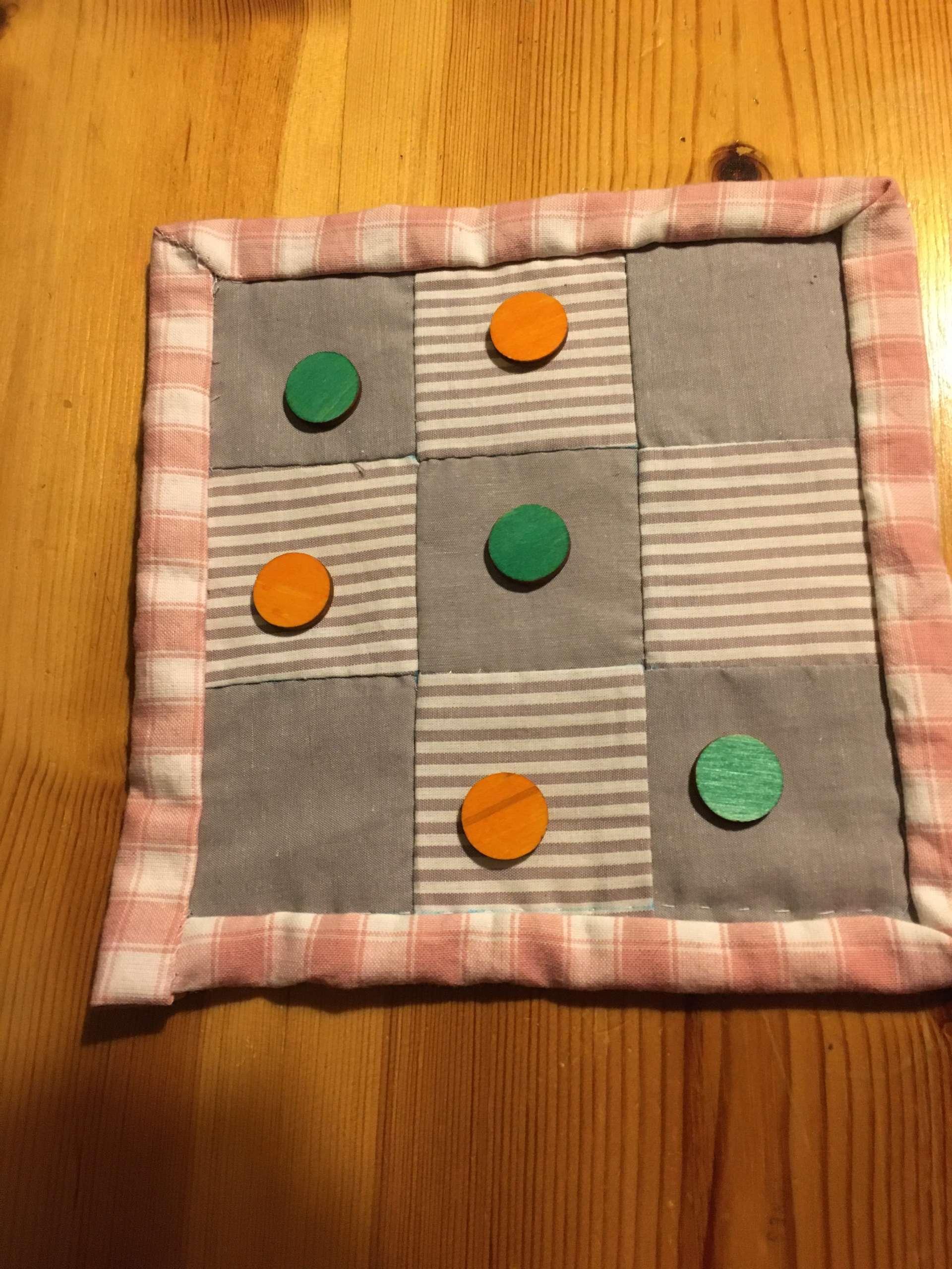 Juego tres en raya patchwork