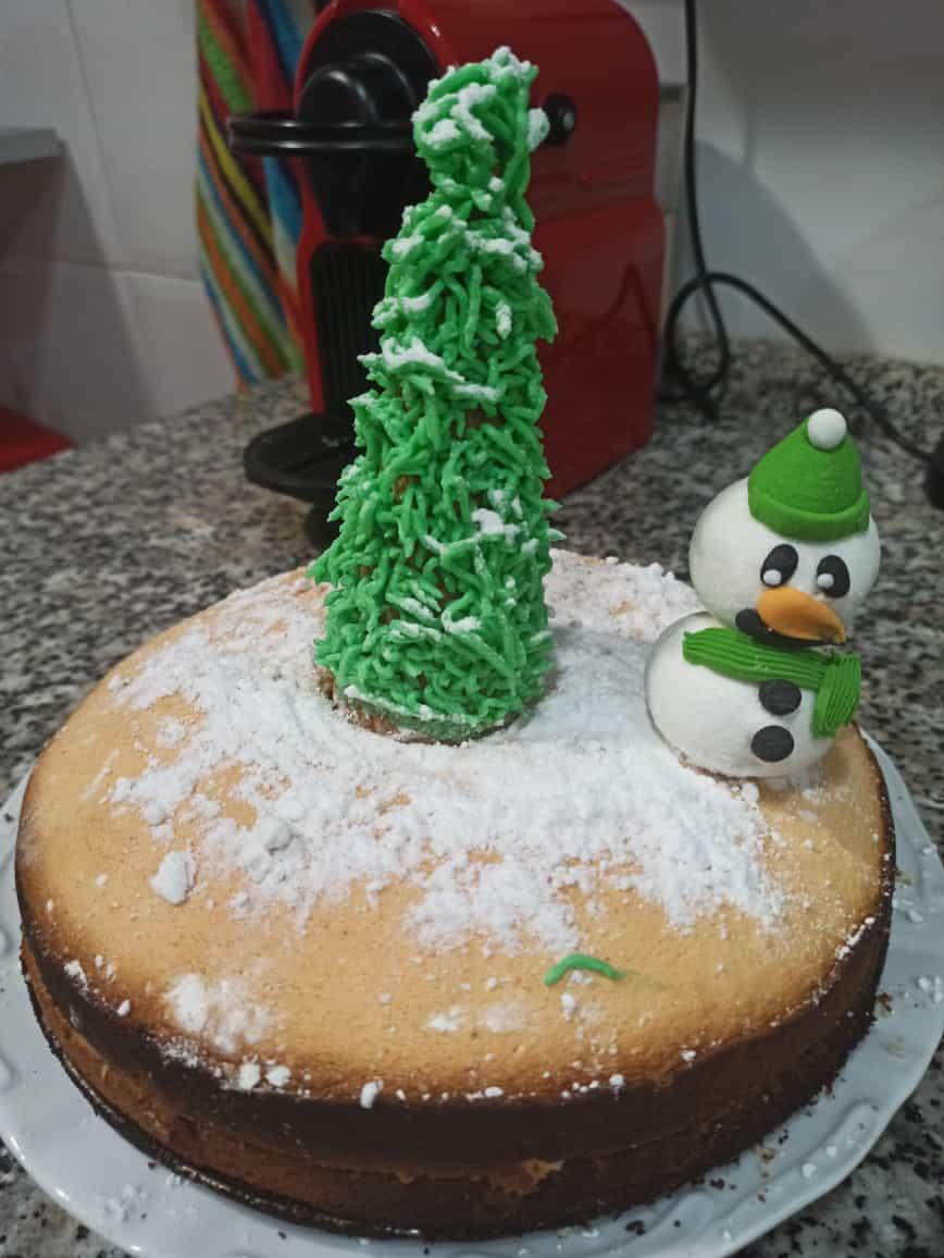 Pastel con un árbol de Navidad sin gluten